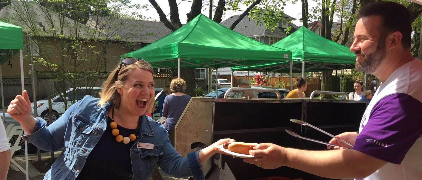 Over acting hot dog pass off